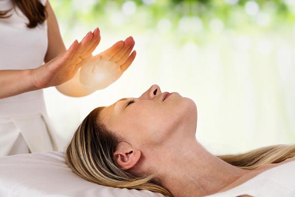 Angela Szabo, masseuse-kinésithérapeute